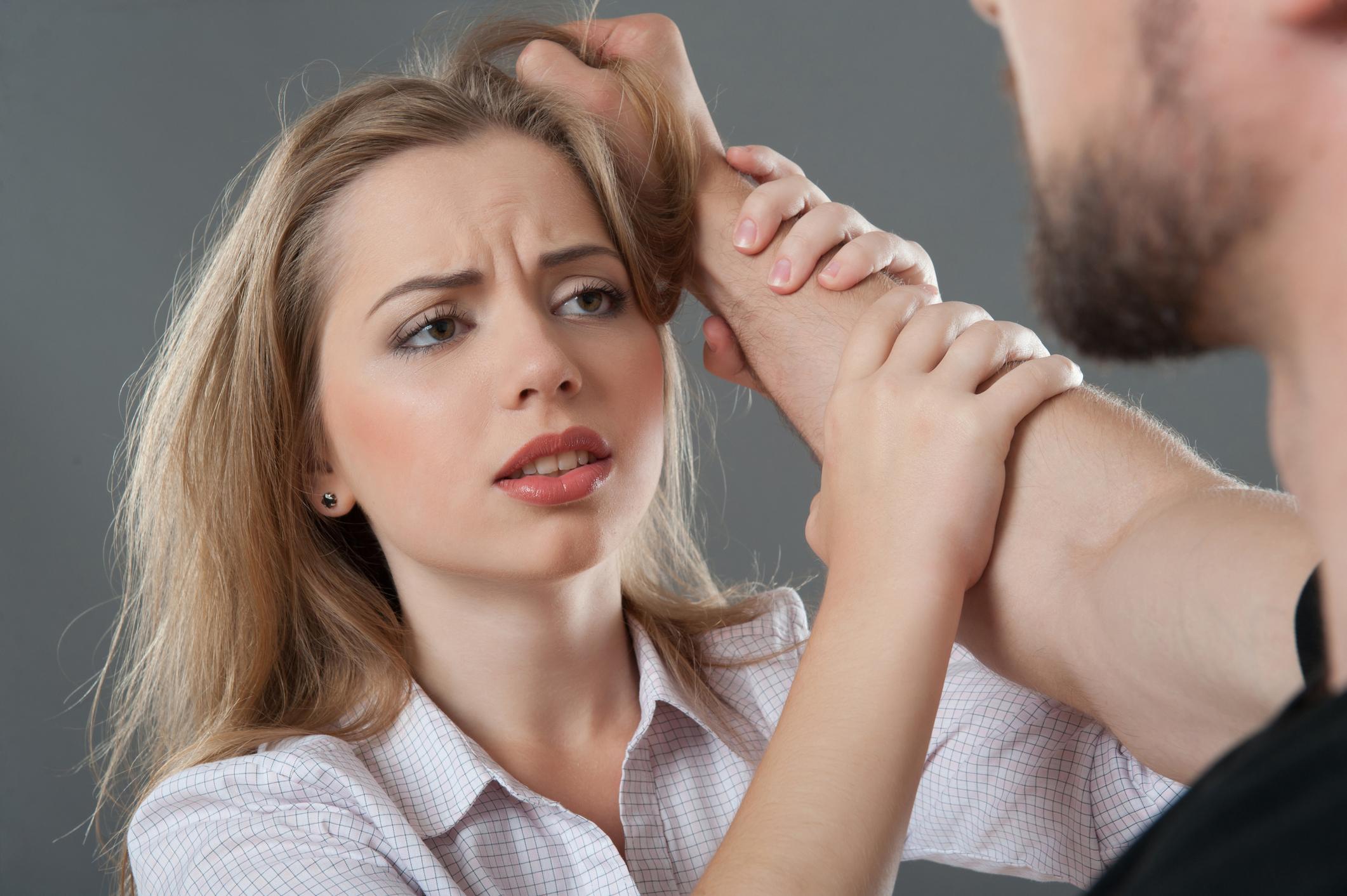 Výsledek obrázku pro násilí na ženách